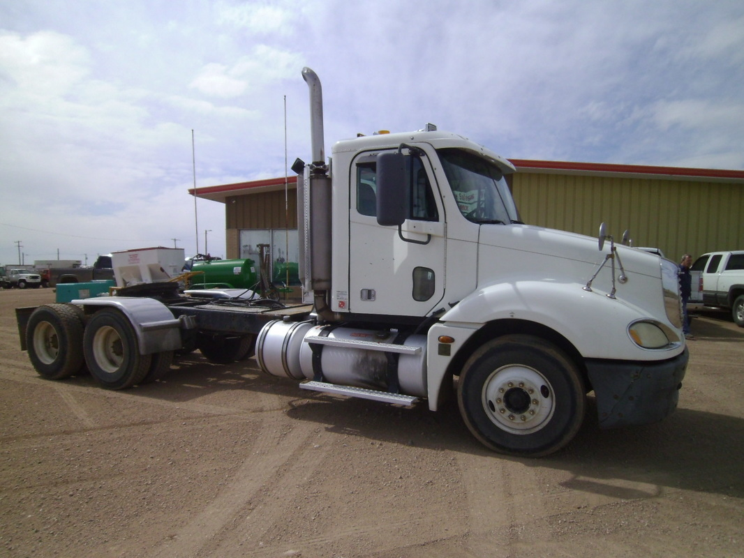 Used Semi Tractor Section